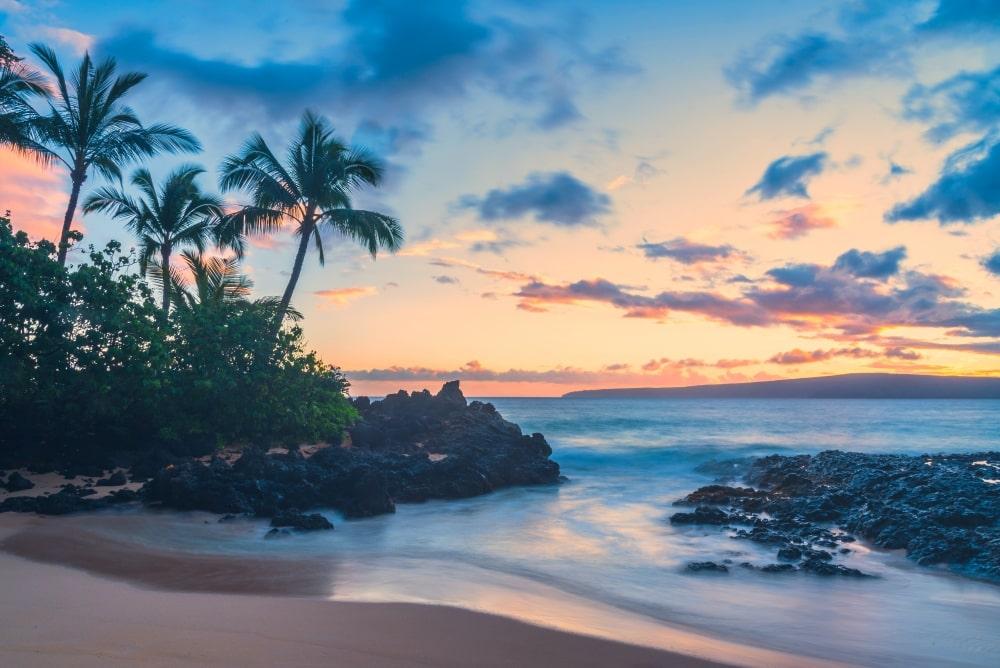 Maui's Secret Cove Beach - Hawaiianly